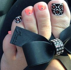 40 Creative Toe Nail Art designs and ideas Coral Toe Nails, Cute Toe Nails, Summer Toe Nails, Cute Toes, Stiletto Nails, Pedicure Designs, Pedicure Nail Art, Toe Nail Designs, Manicure