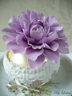 purple flower cup cake; I wouldn't want to eat it :( #Bangkok#Thailand#SiamSingapore