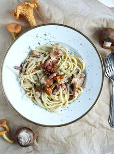 Pasta with Bacon and Mushrroms Recipe ~ Linguine in Pfifferlingsrahm Pfifferlinge Speck sauce Rezept