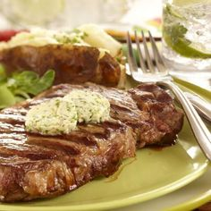 Grilled Steak with Herb Butter Sauce Ingredients: Steaks cut about 1 inch thick (Ribeye, NY Strip or Sirloin) 1 tablespoon butter 1 tablespoon olive oil 2 tablespoons basil, fresh, chopped Steak Recipes, Grilling Recipes, Cooking Recipes, Grilling Ideas, Herb Butter, Garlic Butter, Beef Dishes, Food Inspiration, Main Dishes