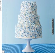 Celestial Wedding Cake | VIA #WEDDINGPINS.NET
