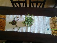 Felted table runner by Emi Porzia,Argentina