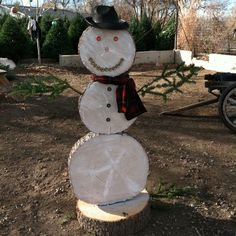 Cute outdoor snowman! This one is nearly 6 ft tall!