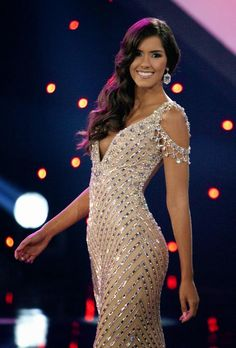 Miss Universe 2014 from Colombia, Paulina Vega is an amazing babe and a beautiful girl we all love. Evening Dresses Online, Mermaid Evening Dresses, Gowns Online, High Fashion Dresses, Sexy Dresses, Nice Dresses, Prom Dresses, Glamour Fashion, Look Fashion