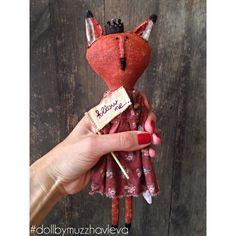 Купить Лиса. Интерьерная кукла. - рыжий, лиса, корона, флажок, авторская ручная работа