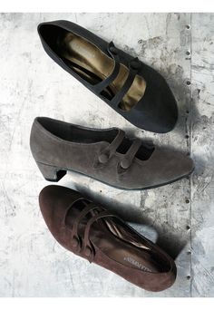 want these in brown. if i ever wore heels
