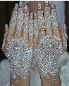 Pretty Henna Designs, Modern Henna Designs, Henna Tattoo Designs, Mehandi Designs, Henna Tattoo Hand, Gold Tattoo, Henna Mehndi, Mehendi, Wedding Henna
