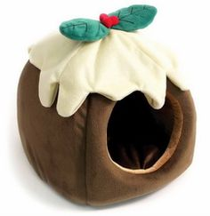 Guinea Pig and Rat Christmas Pudding Bed