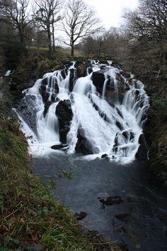 Le rapide che (insieme ad altri elementi) danno il nome a Llanfairpwllgwyngyllgogerychwyrndrobwllllantysiliogogogoch