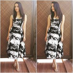 """Rate the Look  1...  Shraddha Kapoor in Osman Studio for movie promotions. @Bollywoodstylefile…"""""""