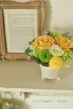 『優しいイエローアレンジ』 http://ameblo.jp/flower-note/entry-11317801817.html