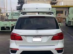 Packasport system 115 roof top carrier on a Mercedes GL 550.