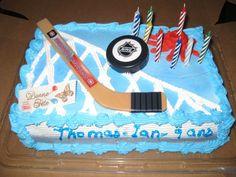 Petit bâton sur un gâteau géant, soumis par Thomas-Ian Michel /Mini-stick on a giant cake, submitted by Thomas-Ian Michel