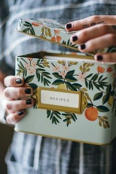 Grand Dame Recipe Tin by Rifle Paper Co. 💗 All of our family's favorite recipes. Recipe Tin, Rifle Paper Co, Home Kitchens, Decoration, Home Accessories, Home Goods, Birthday Gifts, Sweet Home, Diy Projects