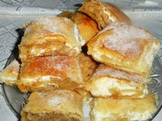 Érdekel a receptje? Kattints a képre! Hungarian Recipes, Waffle Iron, Pastry Cake, Winter Food, Hot Dog Buns, Nutella, Cookie Recipes, Waffles, French Toast