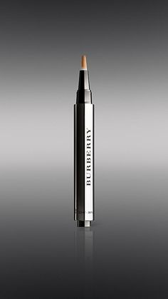 Burberry Sheer Concealer - Amber No.05 - The effortless one click highlighter and concealer. Innovative light-reflecting formula enhances natural beauty and perfects skin tone.  Discover the S/S15 Beauty Look at Burberry.com