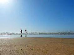 Balade sur la grande plage de Saint Trojan Les Bains. Ile d'Oléron. www.hotel-lenautile.fr