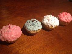 アメリカの毒々しいカラーのカップケーキキャンドルです。|ハンドメイド、手作り、手仕事品の通販・販売・購入ならCreema。