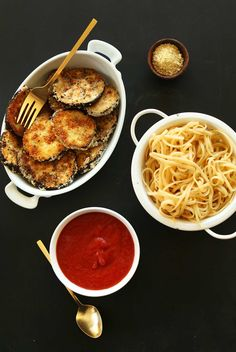 Simple, 10 ingredient vegan parmesan that yields perfectly crispy, savory eggplant that pairs perfectly with red sauce and pasta of your choice! A healthy filling dinner even picky eaters will love.