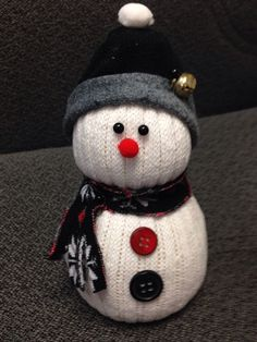35 Fun and Creative Christmas Snowman Crafts Sock Snowman Craft, Sock Crafts, Snowman Crafts, Christmas Projects, Holiday Crafts, Christmas Ideas, Homemade Christmas, Simple Christmas, Winter Christmas