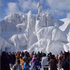 Snow Sculpture......of DINOSAURS!!!