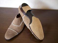 il Quadrifoglio Bespoke Side Elastic Shoes  Official Site : http://ilquadrifoglio-kobe.com/  Calzature Su Misura, prodotto di KOBE fatto a mano