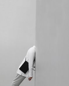 Minimal days in London - shop handmade leather bags online now with special offers this weekend
