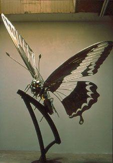 Paul Villinski Butterfly Sculpture www.sculpture.org Wire Sculptures, Garden Sculptures, Sculpture Ideas, Sculpture Art, Eco Garden, Garden Whimsy, Metal Yard Art, Metal Art, Butterfly Pavilion