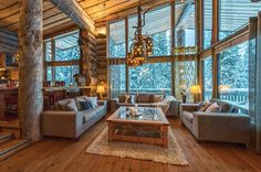 Cottage for rent Kuusamo, VILLA VUOSSELINHOVI, 13407 - Lomarengas is Finlands largest cottages broker. Check out the cottage immediately! Kitchen Pantry Design, Living Room Modern, Living Rooms, Log Homes, Villas, Cottage, Rustic, Country, Places