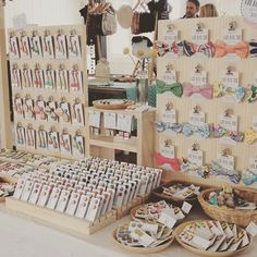 accessories display Today I am the the etsymadelocalmelbourne market! Upstairs in the Allpress gallery! Craft Fair Displays, Craft Stall Display, Bow Display, Craft Show Booths, Vendor Displays, Craft Show Ideas, Earring Display, Market Stall Display, Display Ideas