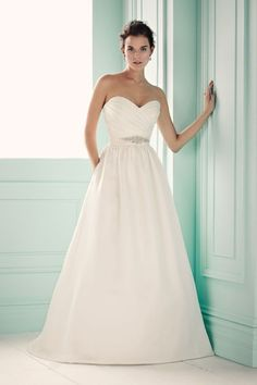 Style Spotlight: Wedding dresses with pockets