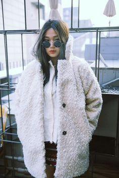 Jo Eun Hee #shagfur #circleshades #modeloffduty