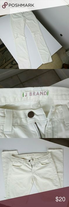 Women's J. Brand Jean's Skinny Distressed Sz 27 These Women's J. Brand Jean's are in good condition. Gently used. These are the Skinny/Distressed model of J. Brand. Very cute. Size 27/33. Very small stain on back of pant leg hardly noticeable. Should wash right out. J Brand Jeans Skinny