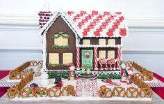 Gingerbread_Lane_2012_003-8