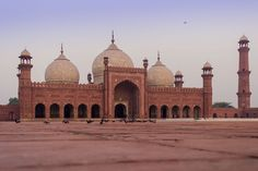 Badshahi Mosque 3 - Mughal architecture - Wikipedia