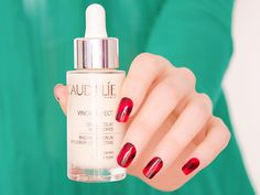 Revue sur le sérum éclat anti-taches Vinoperfect de Caudalie et son utilisation pour atténuer les cicatrices d'acné
