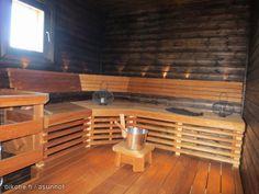 Kuusennäreentie Renkomäki, tämä sauna ja omakotitalo sen ympärillä myynnissä. http://asunnot.oikotie.fi/myytavat-asunnot/8381813