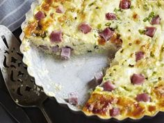 This is a delicious crab quiche recipe, perfect for a lunch or brunch. This quiche is made with crab, Swiss cheese, eggs, and a dash of nutmeg.