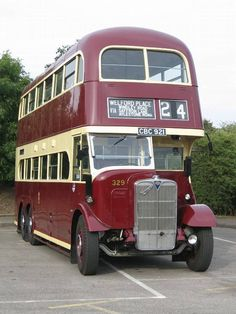 1939 AEC Renown with Northern Counties body Volkswagen Bus, Volkswagen Beetles, Vw Camper, Campers, Bus City, Classic Cars British, Little Red Corvette, Tramway, Routemaster