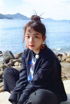Red Velvet November 16 2019 at fashion-inspo Red Velvet Seulgi, Red Velvet Irene, Seulgi Icons, My Girl, Cool Girl, Pose, Peek A Boo, Kang Seulgi, Kim Yerim