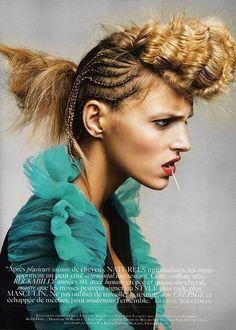 Peinado original trenzado y con volumen en el tupé #peinados #originales #trenzas