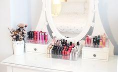 LIPSTICK ORGANISATION & STORAGE  http://www.gemsmaquillage.com/2014/04/25/lipstick-organisation-collection/
