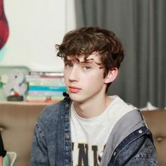 Me when someone says they love Troye but they only know YOUTH <-- SO TRUE UGH