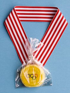 Gold Medal Cookies  These cookies are darling to make and gift for a fun party celebrating the Olympics.  Get the instructions over at One Charming Party.