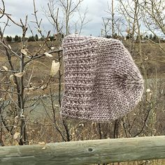 Ravelry: Two and a Half Hours pattern by Jennifer Beever Quick Knitting Projects, Easy Knitting, Loom Knitting, Baby Hat Patterns, Knitting Patterns Free, Knitting Ideas, Crochet Patterns, Baby Hats Knitting, Knitted Hats