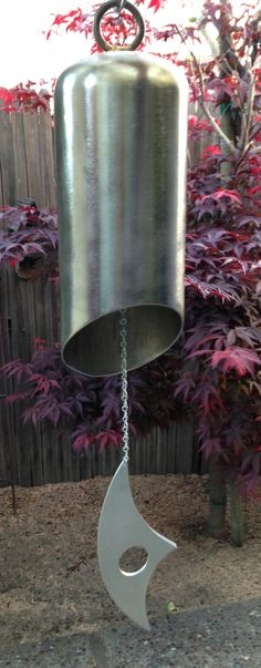 Recycled Fire Extinguisher Wind Chime for Outdoor Decoration by Melissie Metal Projects, Welding Projects, Metal Crafts, Art Projects, Welding Ideas, Project Ideas, Metal Yard Art, Scrap Metal Art, Art En Acier