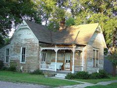 Gainesville TX 1880s Victorian Cottage