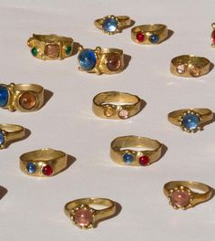 WEBSTA In a dream the rings appeared to me, one by one. Each would reveal a hidden meaning in the form of a dance. The way I arranged them became the next meaning. Cute Jewelry, Jewelry Accessories, Jewelry Design, Jewlery, Stud Earrings, Piercings, Clothes, Outfits, Royal Court
