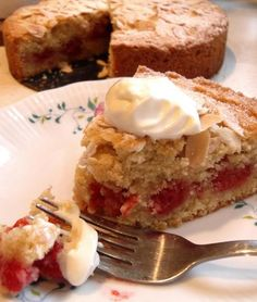 The English Kitchen: Raspberry Bakewell Cake