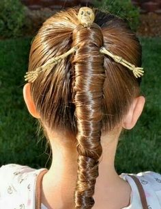 The Mummy Hairdo - perfect for Halloween or crazy hair day! Scary Halloween Costumes, Easy Halloween, Halloween Decorations, Halloween Party, Halloween Makeup, Halloween Pictures, Terrifying Halloween, Halloween Zombie, Maquillaje Halloween